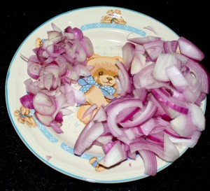 Onions and shallots... on the teddy bear plate!
