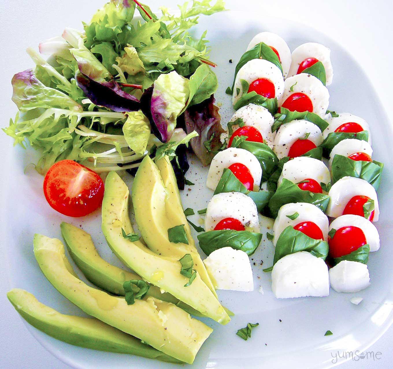vegan caprese il tricolore | yumsome.com