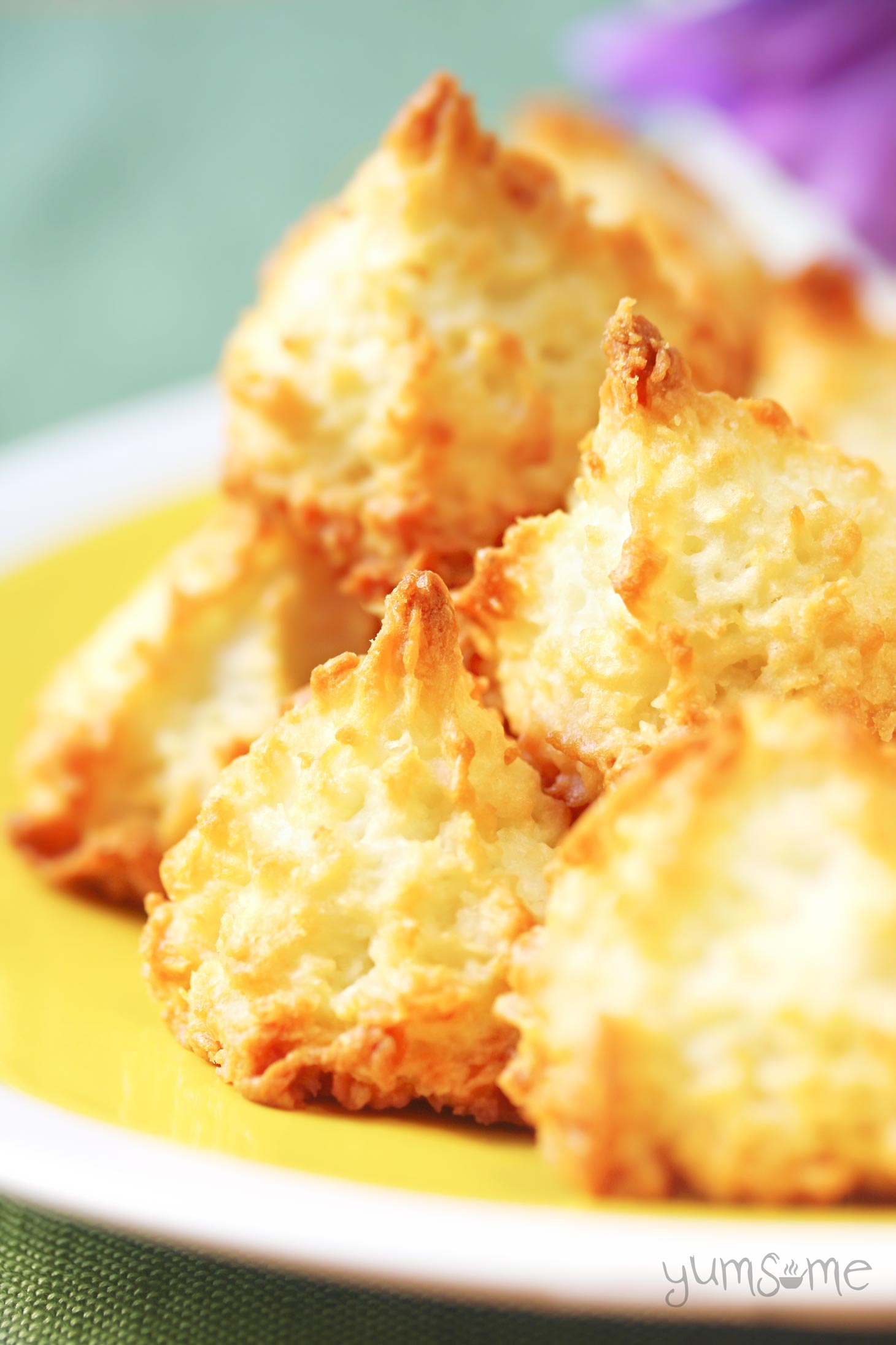 Sweet and moist - chewy on the inside, and crispy on the outside; I can't think of many cookies which are as easy to make as these vegan coconut macaroons. | yumsome.com