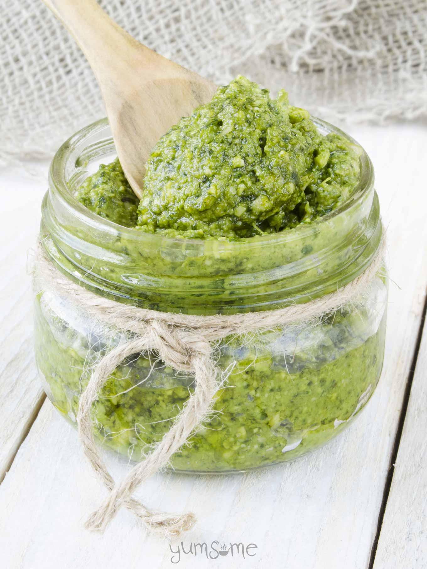 5 Minute Vegan Cashew Pesto Yumsome
