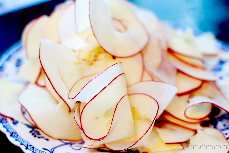 spiralised-apple | yumsome.com