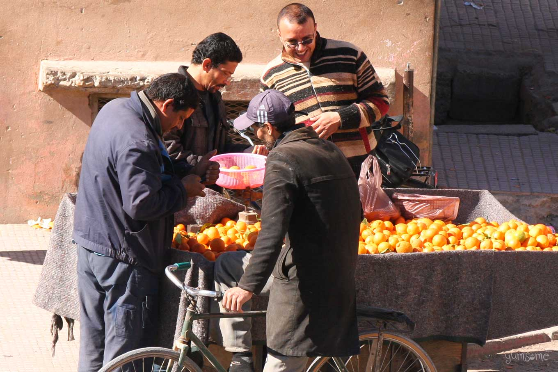 orange seller in taroudannt | yumsome.com