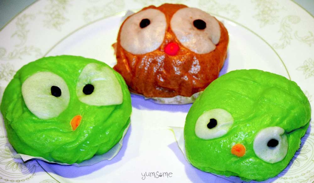 Three matcha steamed buns