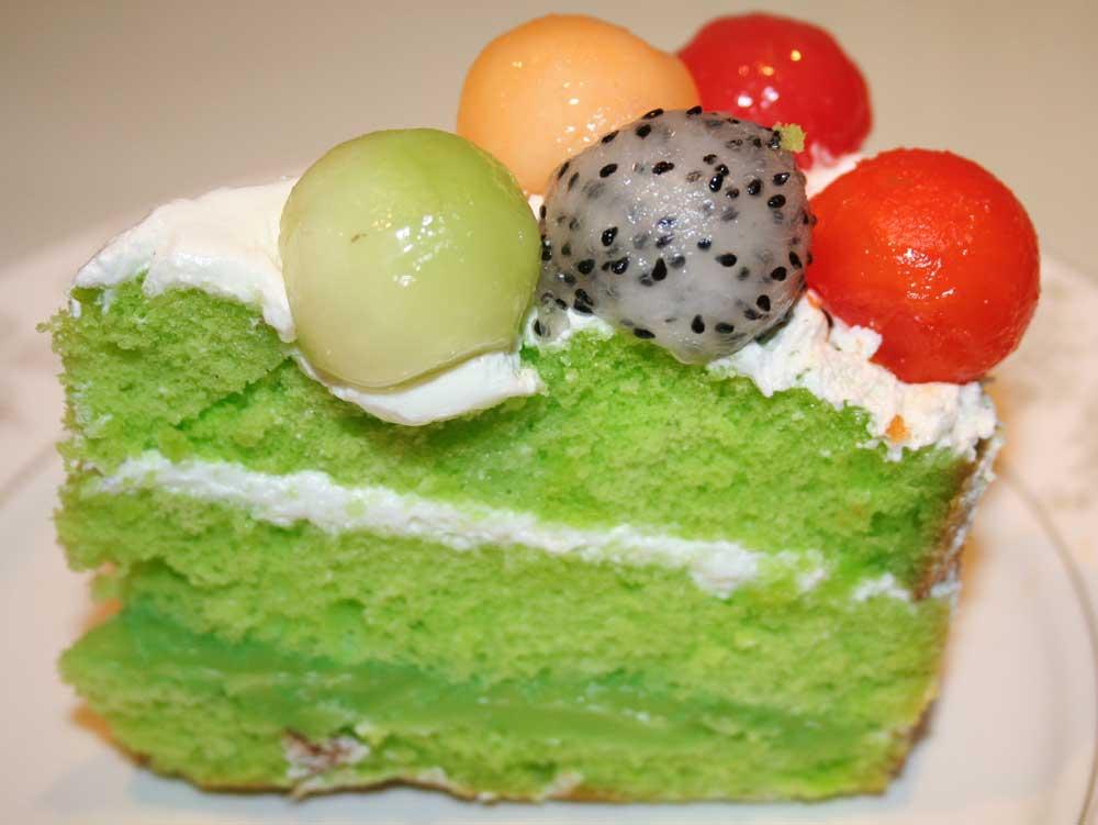 Matcha fruit cake.