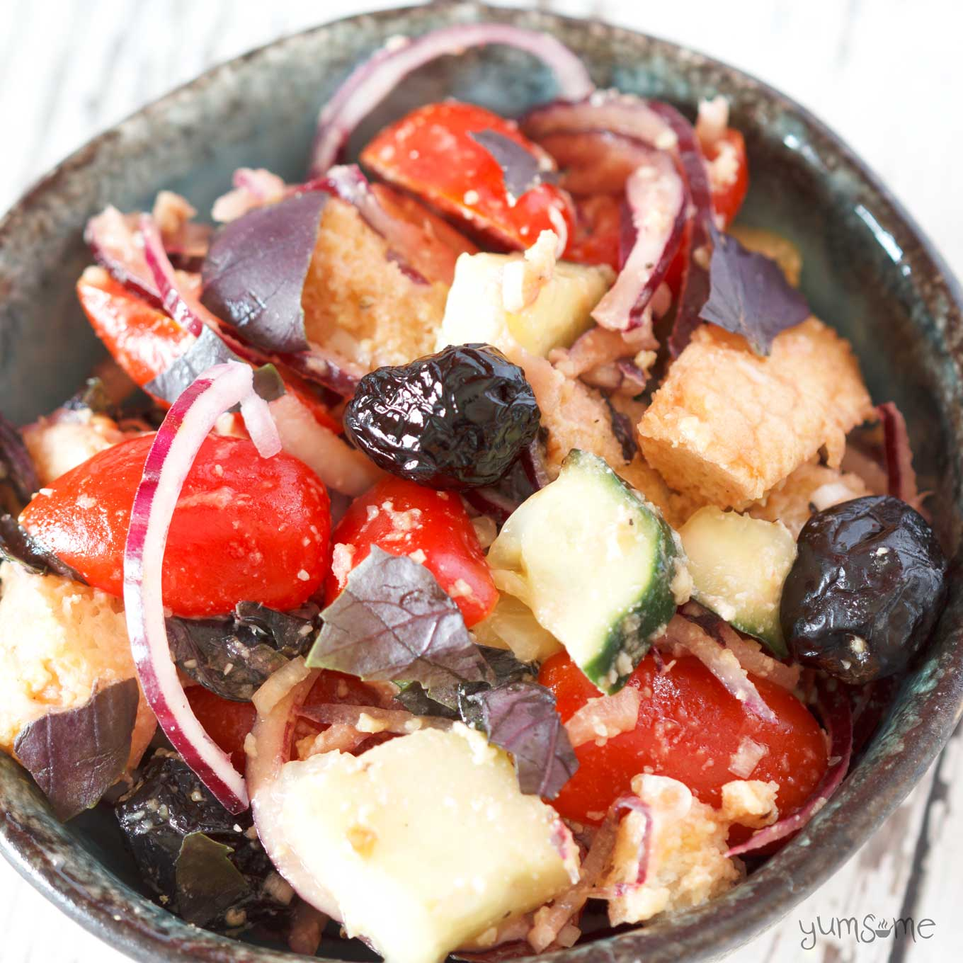 Panzanella - Tuscany's deliciously simple bread salad is perfect for spring and summer! | yumsome.com
