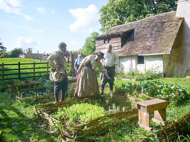 Holdenby 17th century cottager garden | yumsome.com