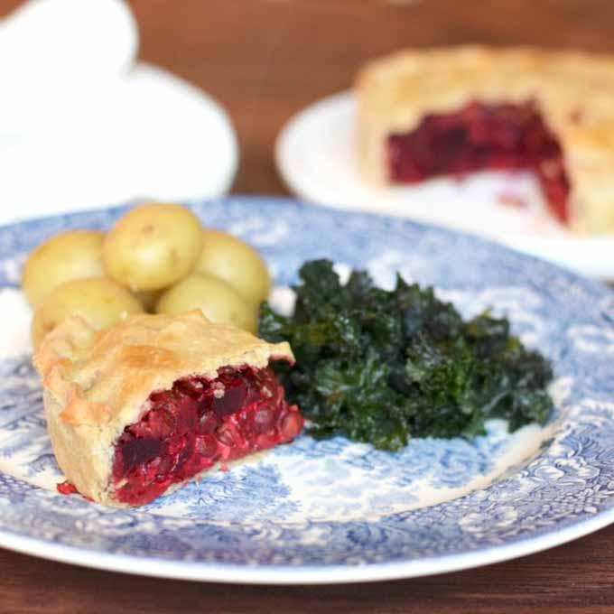 vegan beetroot and lentil pie | onlycrumbsremain.co.uk