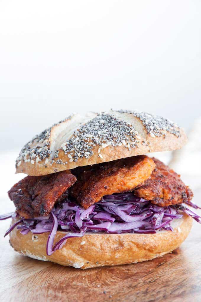 'chicken' and garlic slaw burger | elephantasticvegan.com
