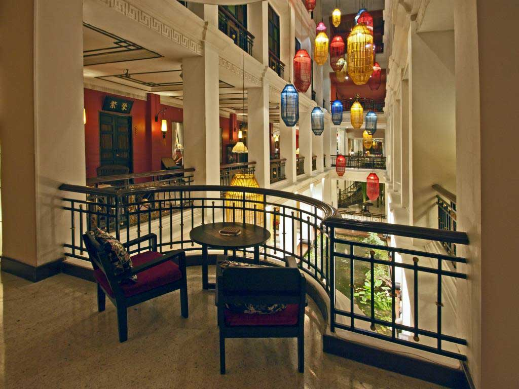 Shanghai Mansion upper balcony