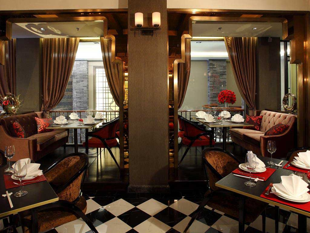 Shanghai Mansion's Red Rose restaurant