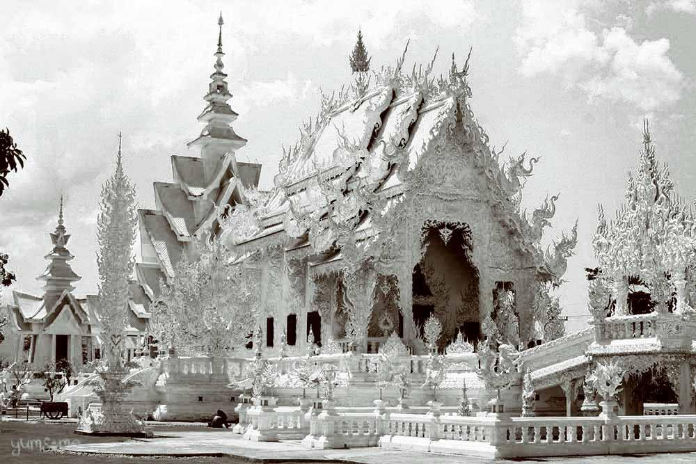 Wat Rong Khun, Chiang Rai, Thailand | yumsome.com