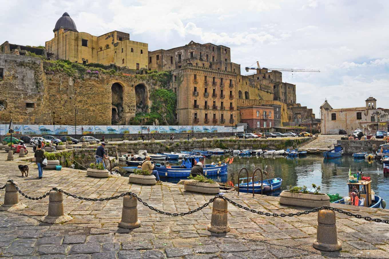 Pozzuoli harbour | yumsome.com
