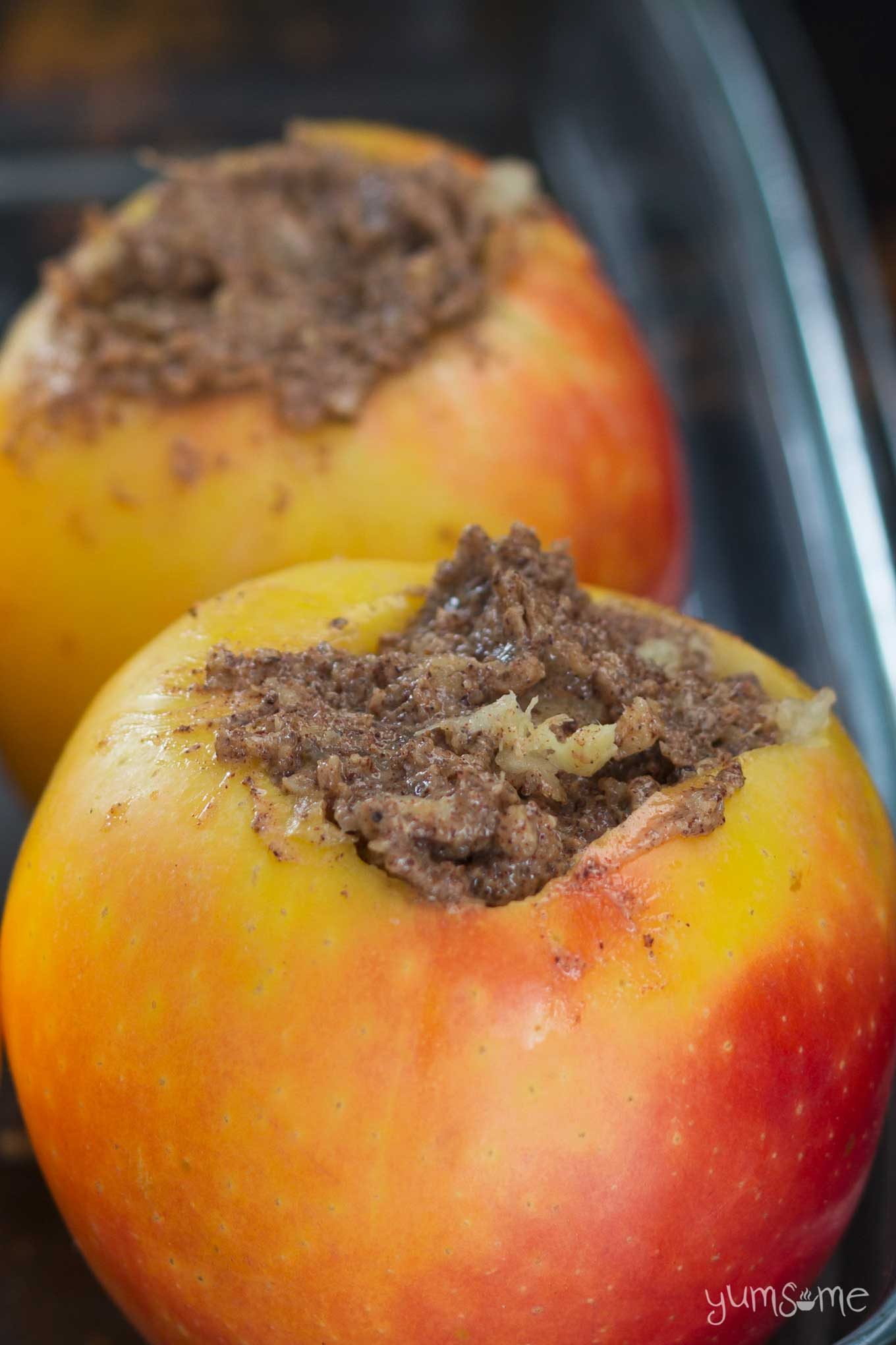 stuffed baked apples ready to be baked | yumsome.com