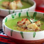 closeup of a bowl of Quick 'n' Easy Piquant Pea & Leek Soup | yumsome.com