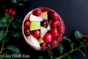 apple cinnamon sangria