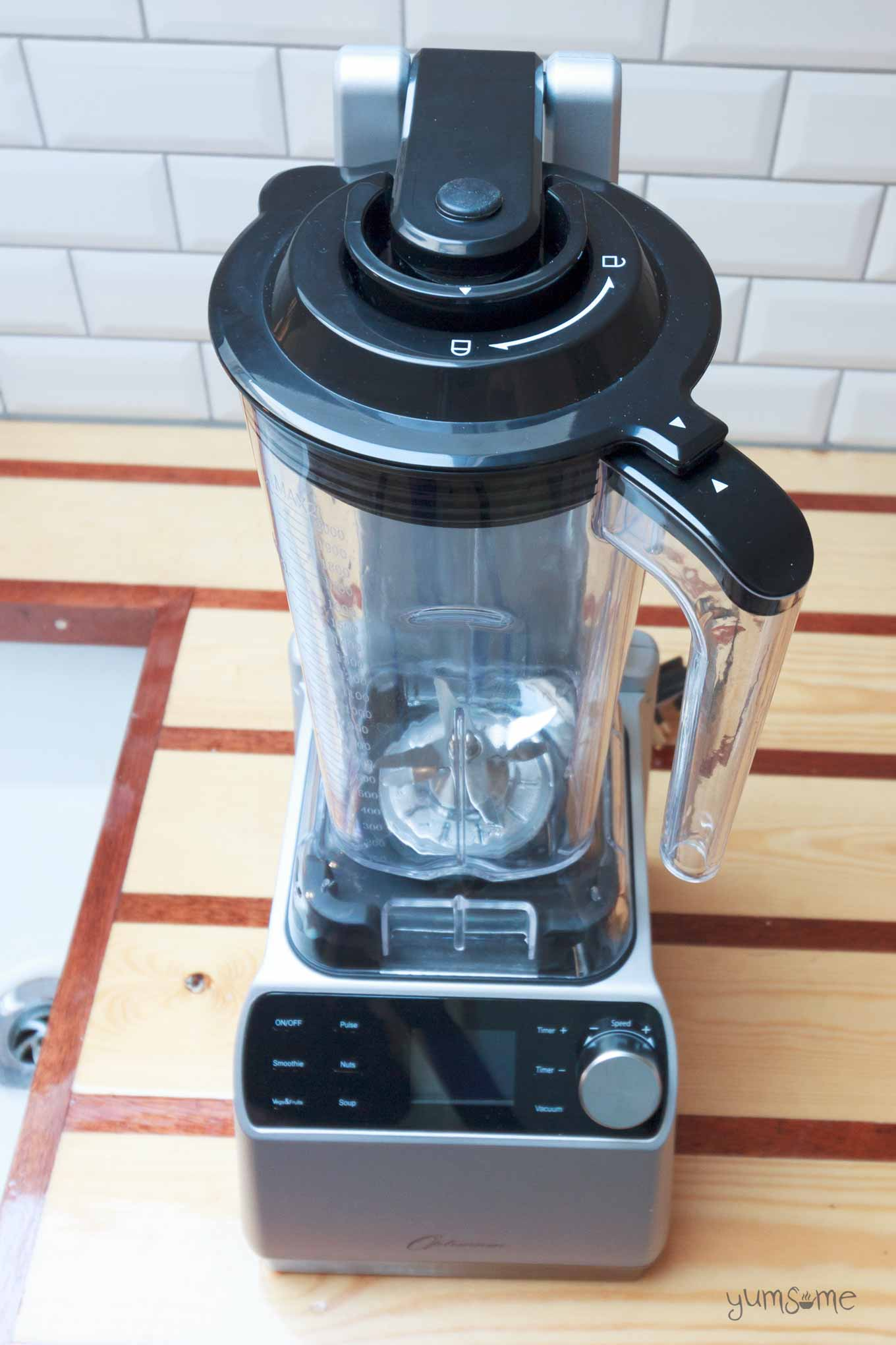vaccuum seal on froothie optimum vac2 air vacuum blender | yumsome.com
