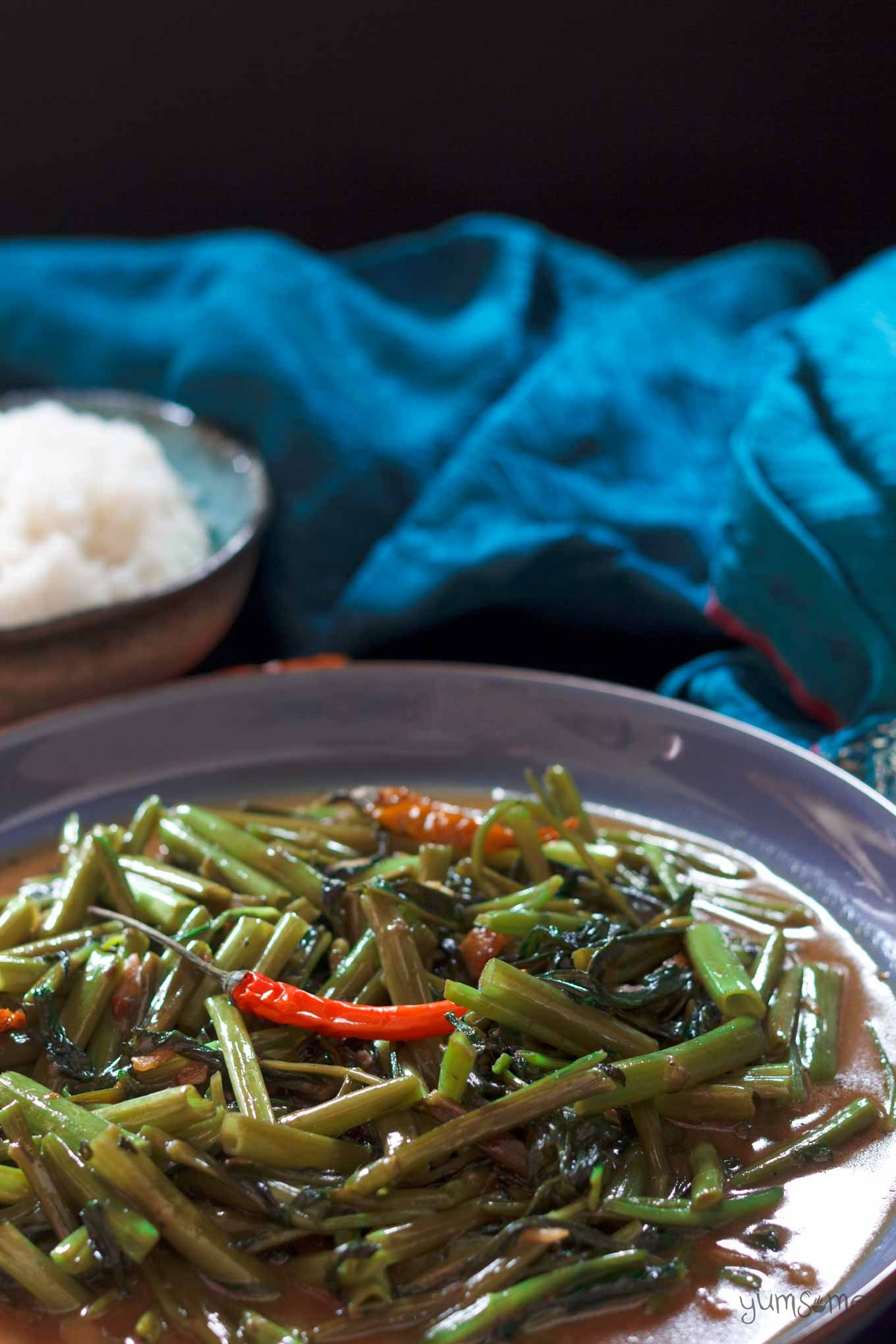 vegan Thai stir-fried morning glory with chillies and rice | yumsome.com